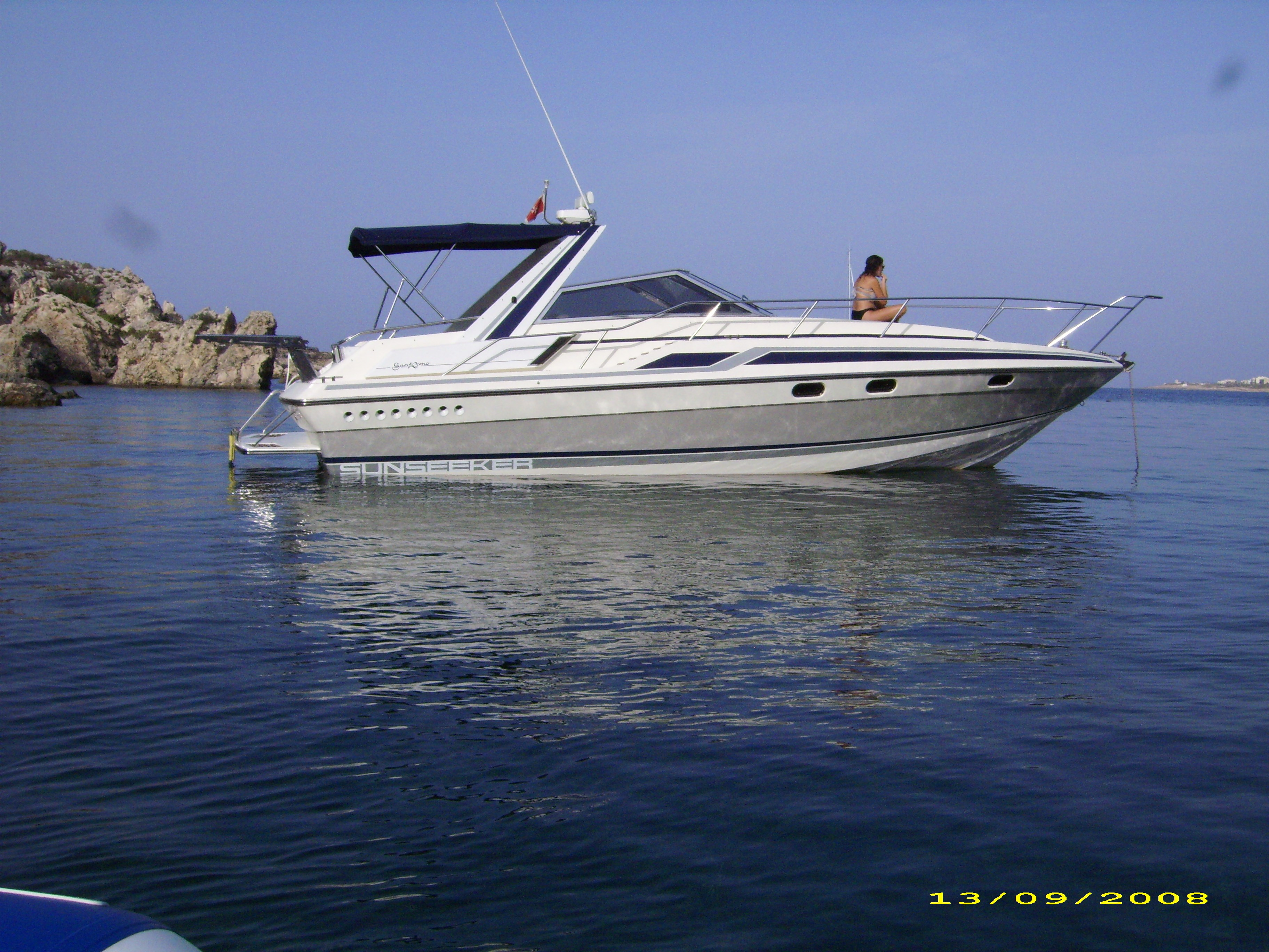 Rent / charter Motor Boat for Boat Parties, Conference & Incentive / Meetings / Corporate, Full Day Tour, Half Day Tour, Harbour Cruise, Private Charter & Team Building Activities in Malta & Gozo - Sunseeker San Remo 33