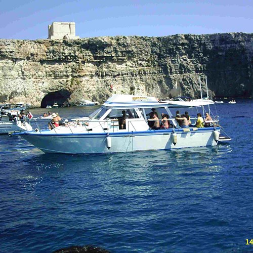 Rent / charter Motor Boat for Boat Diving, Boat Parties, Comino Trips, Conference & Incentive / Meetings / Corporate, Fishing Trips, Full Day Tour, Half Day Tour, Harbour Cruise, Private Charter & Team Building Activities in Malta & Gozo - Cabin Cruiser